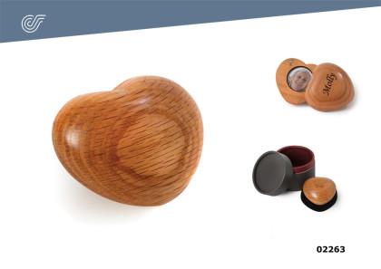 Relicario Corazón madera